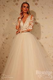 Olivya Model  Elegance