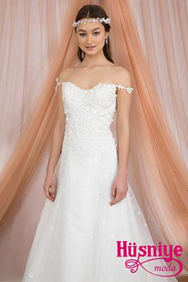 2018Çiçekli, papatyalı kır düğünü gelinlik modeli