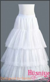 medium fluffy petticoat Balen : 4   ruffle : 3 Diameter : 270